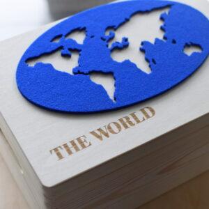 "Drewniane pudełko ""THE WORLD"""